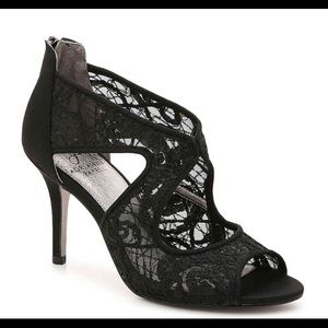 Adrianna Papell heels brand new in box